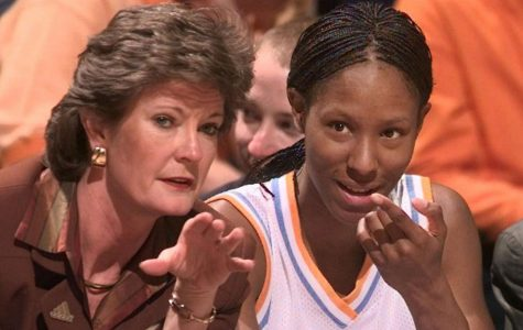 Holdsclaw leads Women's Basketball Hall of Fame finalists