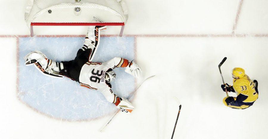 Predators stretch record to 10 straight wins, beat Ducks 4-2