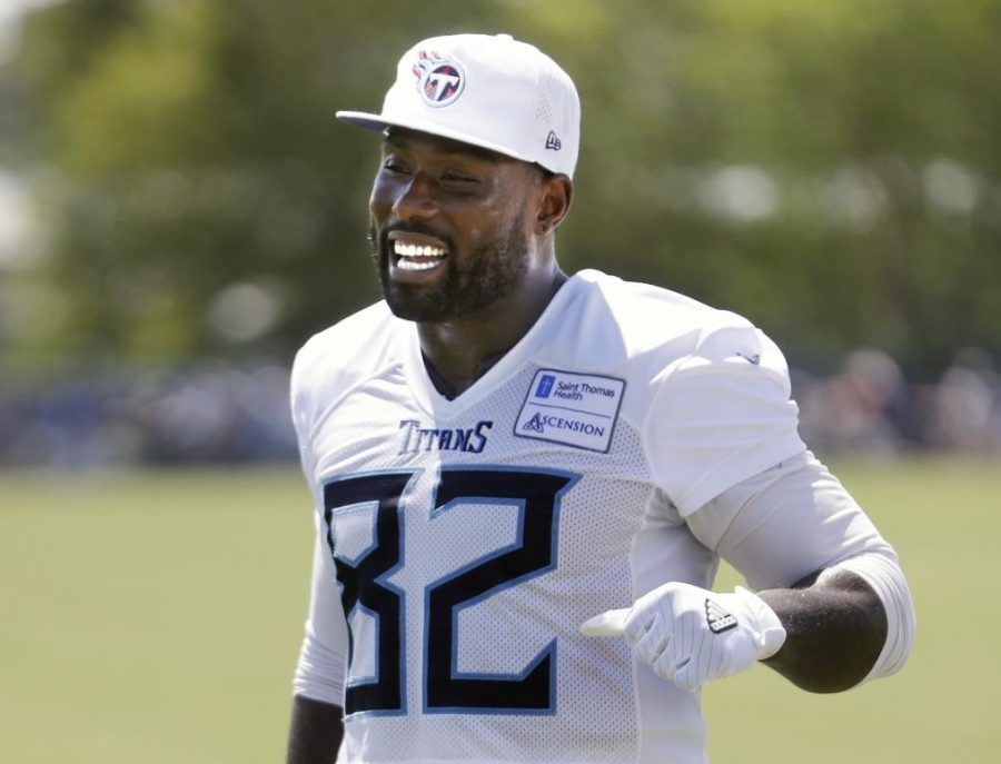 Tennessee+Titans+tight+end+Delanie+Walker+leaves+the+field+after+a+practice+at+NFL+football+training+camp+Friday%2C+July+27%2C+2018%2C+in+Nashville%2C+Tenn.+The+Titans+have+agreed+to+terms+on+a+two-year+contract+extension+with+Walker%2C+keeping+the+veteran+tight+end+under+contract+through+2020.