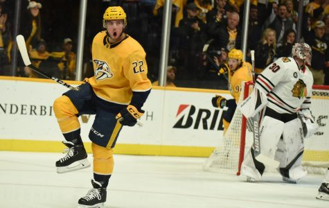 Tolvanen gets 1st NHL goal, Predators beat Blackhawks 5-2