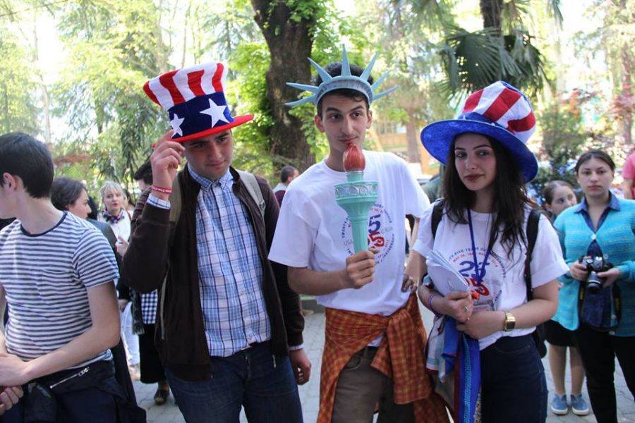 Students in the FLEX exchange program celebrating   25 year anniversary of friendship with USA