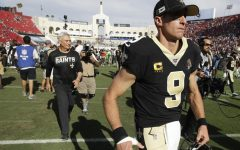 Saints lose to the Rams; Brees leaves stadium injured!