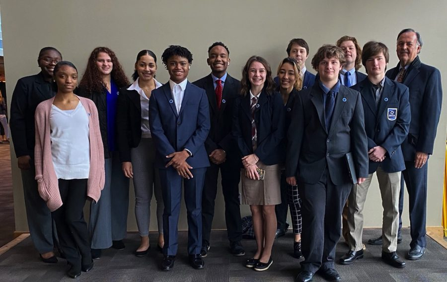 Ten Hillsboro High School students advance to the Tennessee DECA state Championship