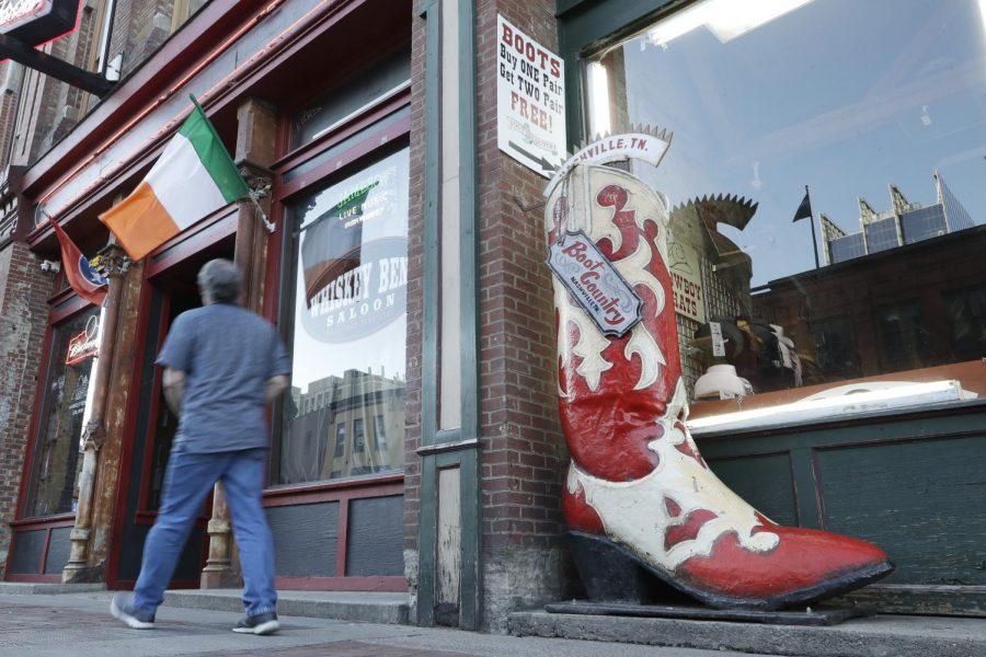Governor+Bill+Lee+opens+restaurants%2C+retail+stores+starting+next+week