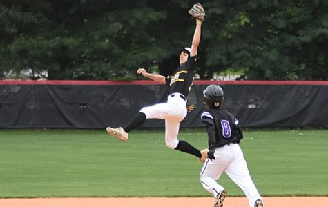 Burros Clinch Lead in Fifth Inning for Victory Over Cane Ridge